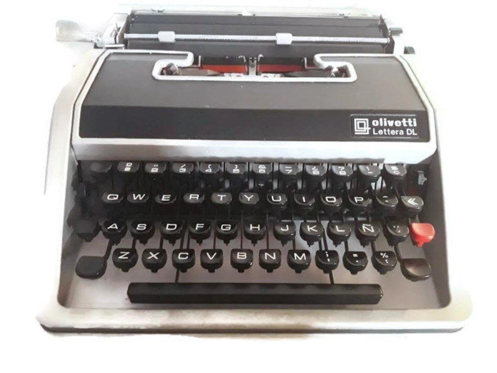 Máquina de escribir Olivetti Lettera DL