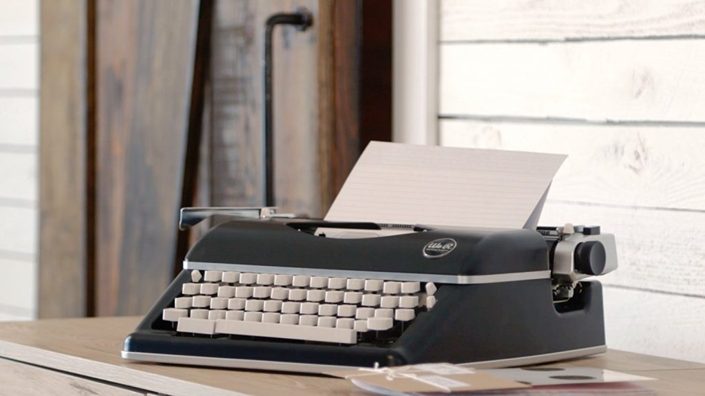 Máquina de escribir We R Memory Keepers elegante oferta barata mejor oferta antigua nueva